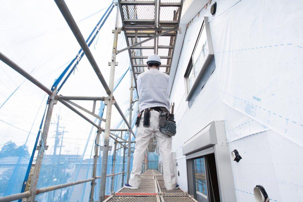 足場や窓からの侵入を防ぐ対策を紹介